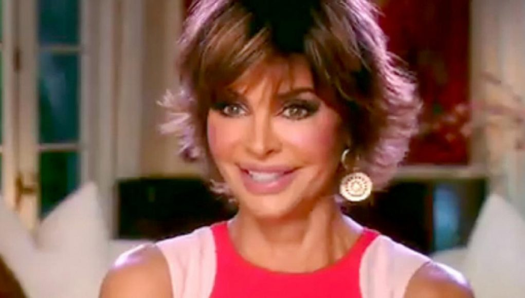 Lisa Rinna - All Body Measurements Including Boobs, Waist, Hips and More - Measurements Info