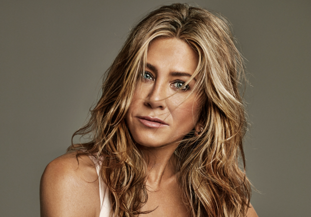 Jennifer Aniston Body Measurements Boobs Waist Hips