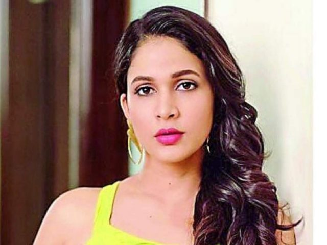 Lavanya Tripathi Body Measurements Boobs Waist Hips